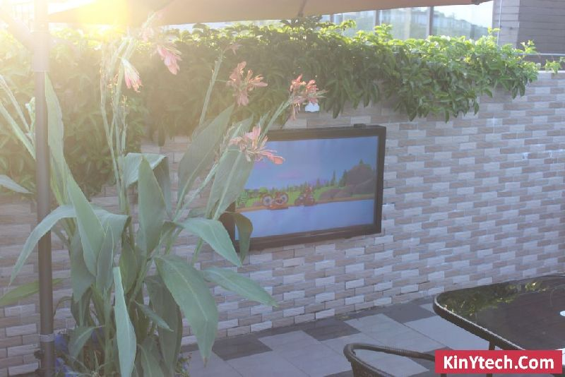 Outdoor-TV-Fall