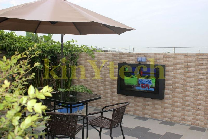outdoor TV enclosure.JPG